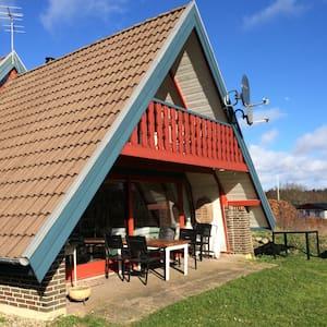 Sommerhus ved skov og strand - Roslev