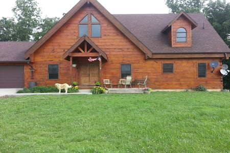 Hickory Springs Bed and Breakfast - Boonville