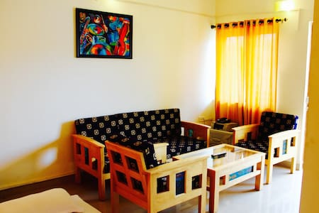 1 BHK penthouse apt in candolim 303 - Appartement