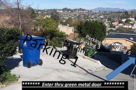 El Sereno retreat, plenty parking. - Los Angeles - House