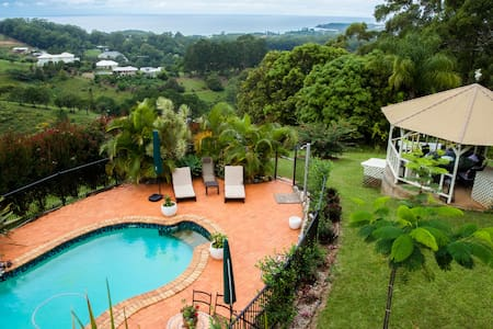 ALKIRA-Where Ocean & Mountains meet - Bed & Breakfast