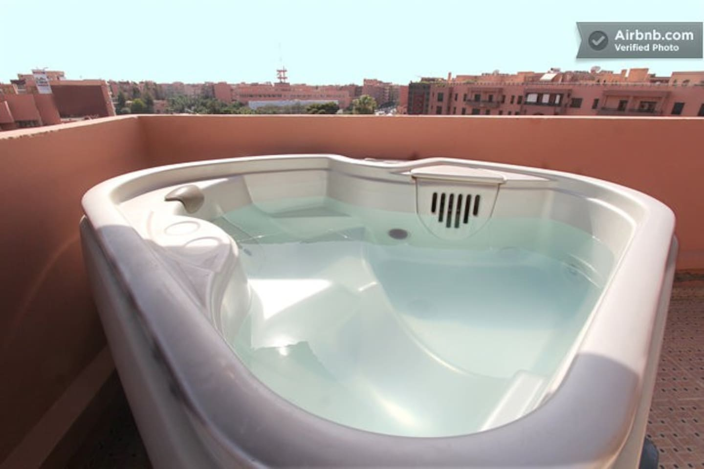 Jacuzzi - Hot tub - on the 6th floor