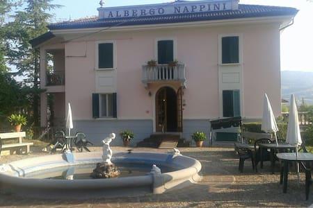 Villa Liberty - Lizzano In Belvedere - Bed & Breakfast