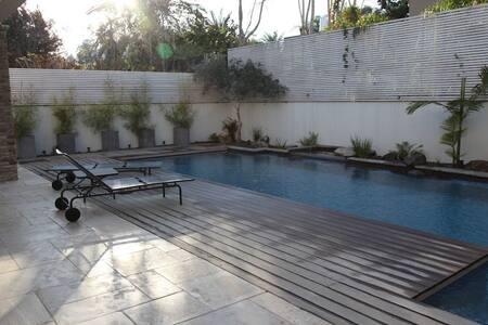 A luxiours villa in Herzliya Pituah - Herzliya
