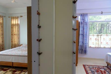 Aamantran Stays- Family Apartment - Shoghi - Departamento