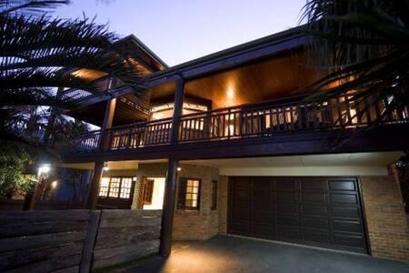 Cabarita's Best Beach House - Apartmen