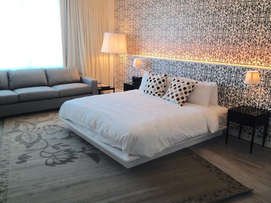 Gorgeous KING SIZE BED