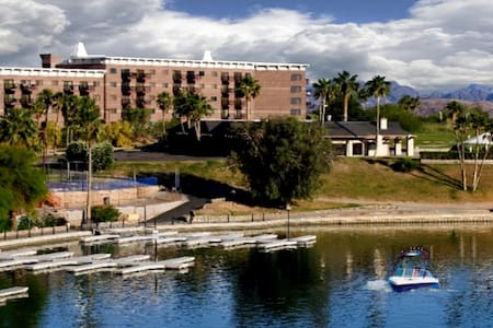 Queens Bay Condo by London Bridge - Lake Havasu City - Lejlighedskompleks