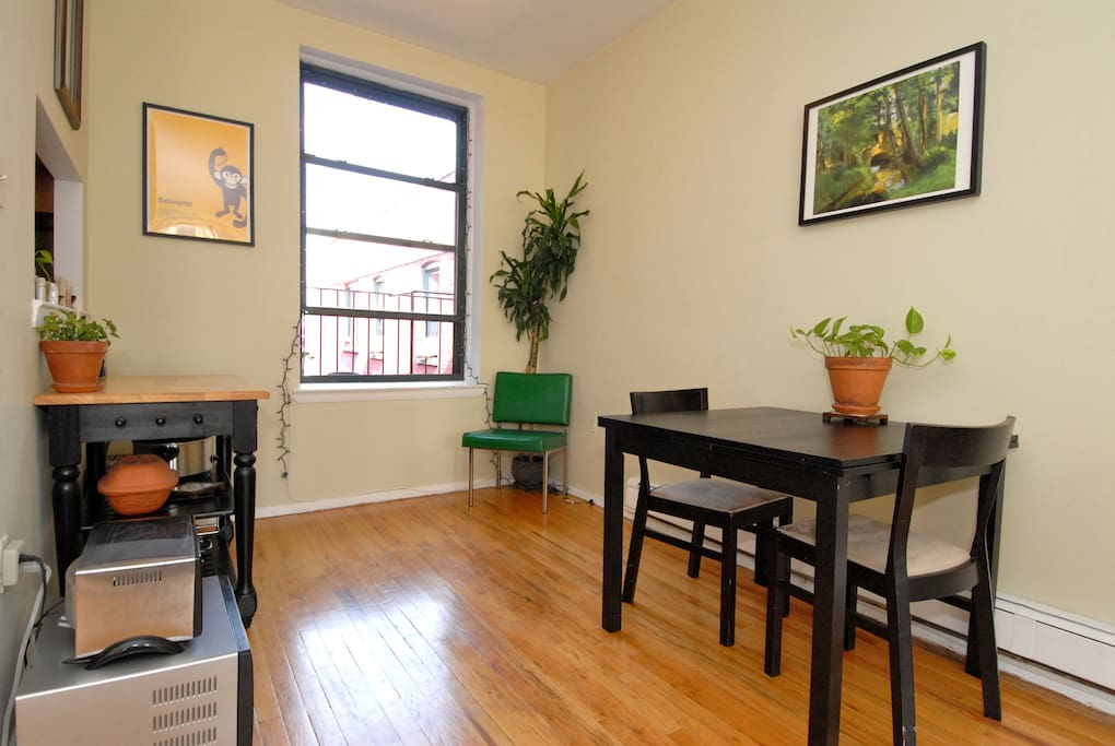 Sunny & Spacious in Fort Greene!