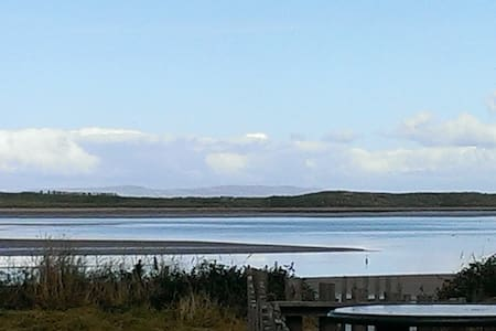 Superb views from secluded beachfront home Slps 4 - Kerry