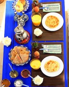 Dar Darek B&B twin ensuite room - Bed & Breakfast