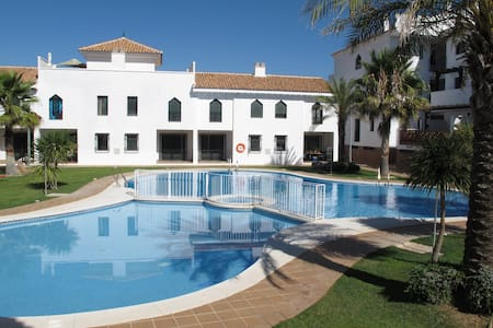 Apartment with pool in Granada - Iznalloz