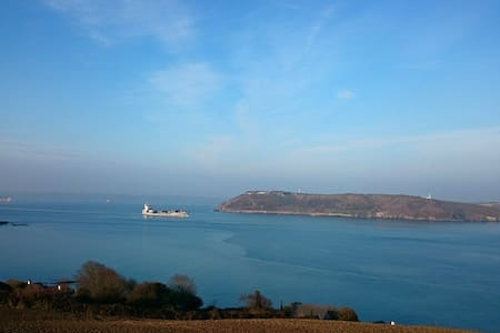 Crosshaven-Beautiful Harbour Views - House