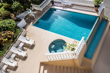 Charming Ocean View Condo - Playa Flamingo - Apartment