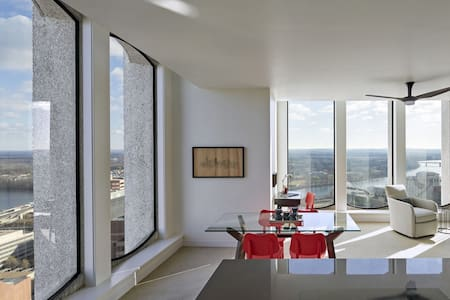 Modern Penthouse with gorgeous view - Hartford - Apartment