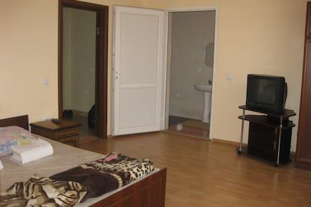 1-комнатная на Береговской 3(2) - Lägenhet