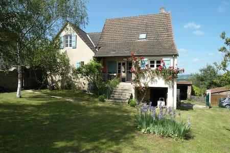 Stilvolles, großzügiges Ferienhaus - Saint-Ythaire - Dům