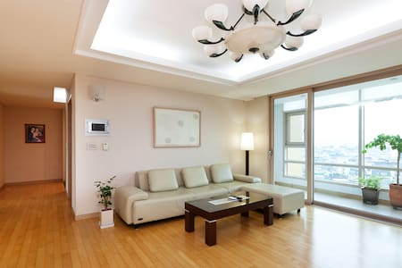 10 min walk from JAMSIL, single bed - Seul - Apartamento