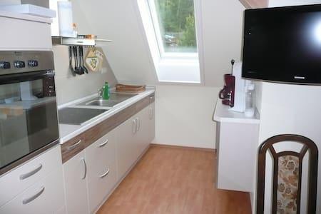 Modern ausgestattete Ferienwohnung - Wohnung