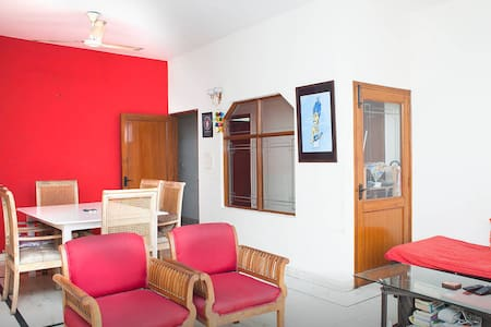 Cosy room in a superb apt. and area - Apartemen