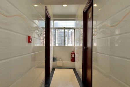 single room 1 person near MTR 2mins