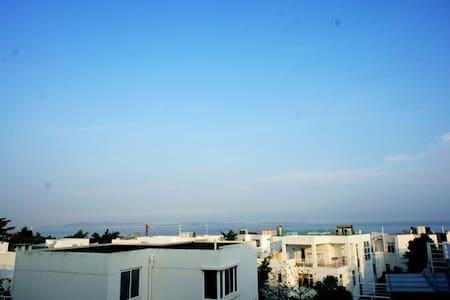 环岛路海景别墅客栈,阳光双床房,可停车 - Xiamen - Casa de campo