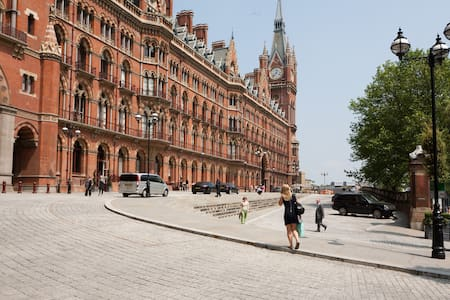 St Pancras Clock Tower Apartment