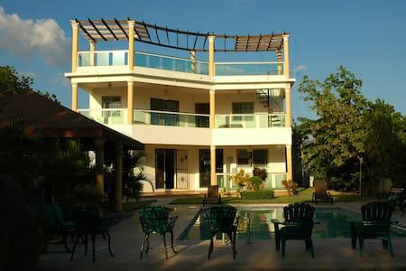 Villa La Cotorra - Villa