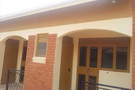 bed & b/fast for 1 or more,  soroti