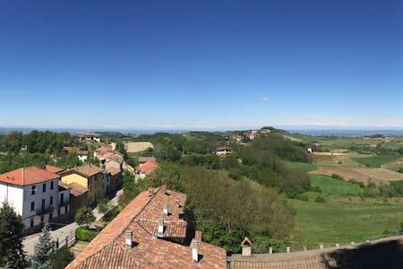La serenita' nelle colline della Val Curone - Montemarzino - House