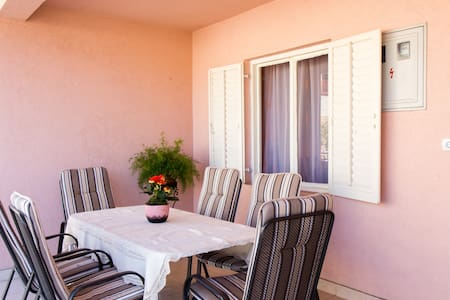 Antonias Spacious Apartment close to Dubrovnik - Appartamento