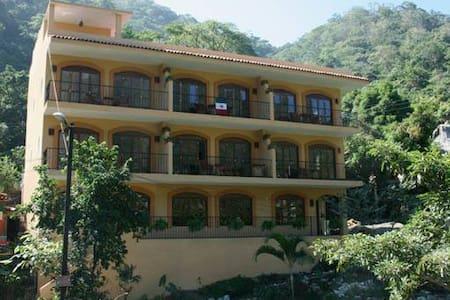 Large comfortable 1 Bedroom - Boca de Tomatlan - Lägenhet