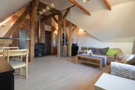 Apart. for 3 people at the 2 nd floor of the old apartment house. At your dispositon: kitchen, bath, parking place, wifi. 20 min walking to the sea, 5 walking to the train or tram station.20 min with the tram or train to the center of Gdańsk or Sopot