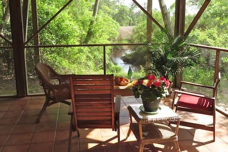 Bayou Retreat in Arts Community - Ocean Springs - House