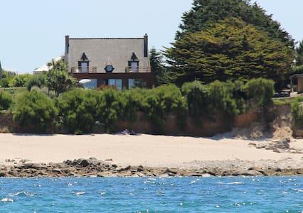 Villa De La Dune Piscine Plage Surf - Sibiril