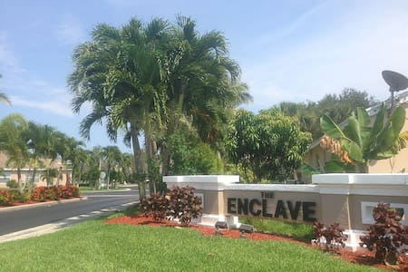 Home Retreat at the Enclave - Greenacres