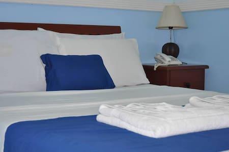 Economy Room - Bed & Breakfast