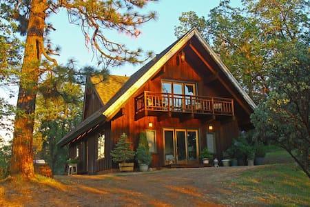 Manzanita Guest House near Yosemite 2+BD - Midpines - Ház