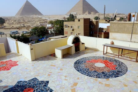 The Pyramids Loft - Loftlakás