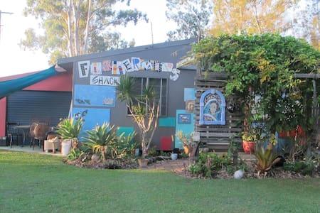 Fisherman's Shack (Artist retreat) - Russell Island