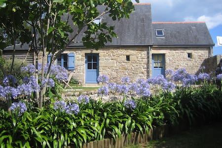 Petite maison de bord de mer à Sainte Marine - Combrit - House