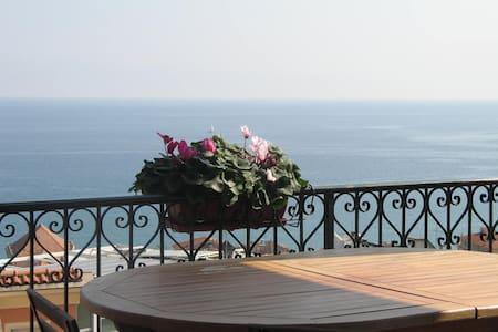 Terrazza vista Mozzafiato - Finale Ligure