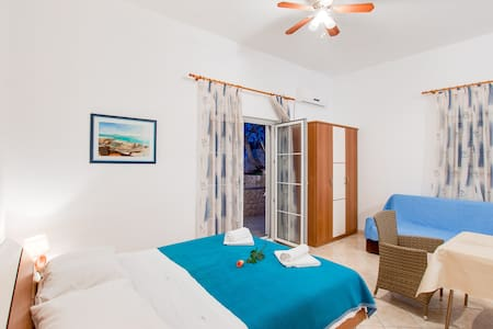 Sky Blue Studio Apartment - Apartamento