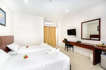 Modern room near Phuket Old Town - Daire