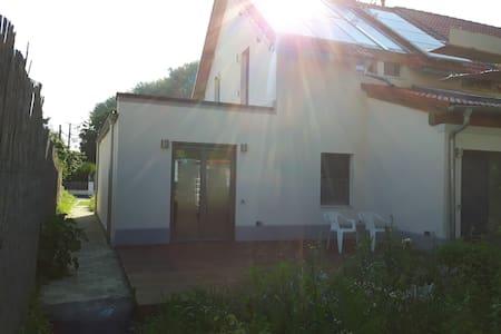 Schönes Haus mit großer Terasse - Senden