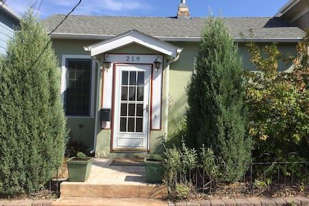 Spencer Street House - Casa