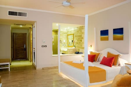 Room type: Private room Property type: Apartment Accommodates: 4 Bedrooms: 1 Bathrooms: 1