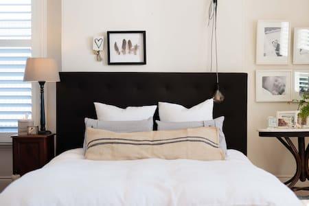 Large Luxury Inner City Family Terrace - Marrickville