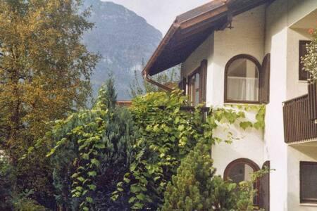Fewo Rosi am Fuß der Zugspitze - Apartment