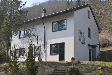 Moderne Ferienwohnung im Donautal - Appartement